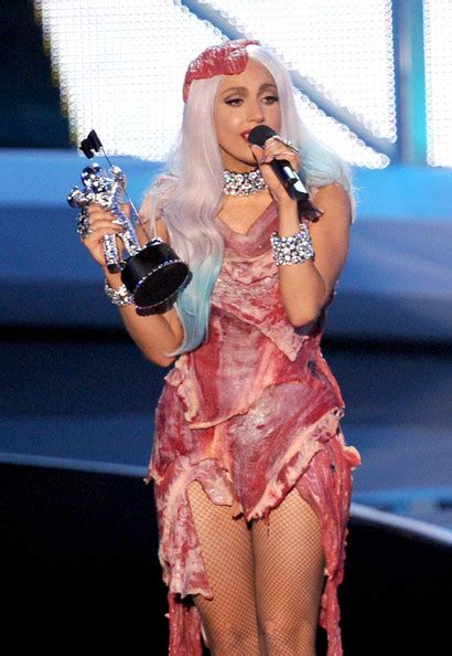 Lady Gaga Biography Mtv   lady gaga pictures 2010 mtv video music awards show