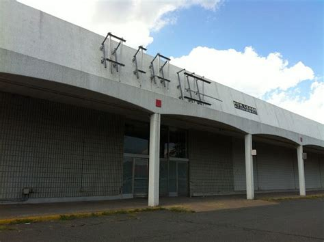 Bed Bath And Beyond Manchester Ct by 1000 Images About Retail Then And Now On