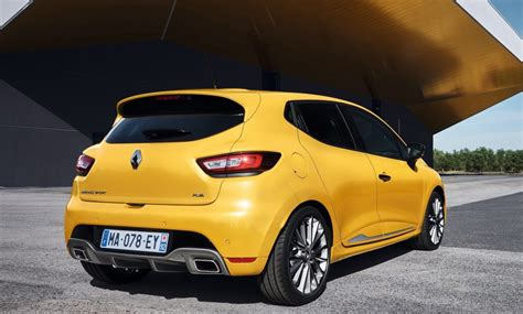renault clio sport 2016 2017 renault clio r s unveiled with light facelift