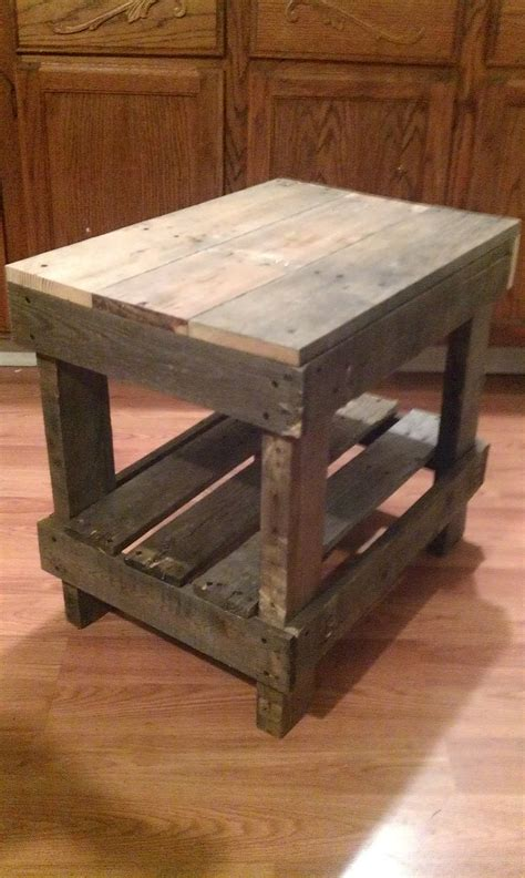 pallet wood  table pallet diy pinterest