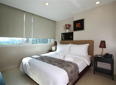 the room exchange deluxe room picture of the exchange regency residence hotel pasig tripadvisor