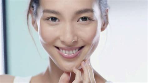 garnier commercial actress garnier skinactive micellar cleansing water tv spot a