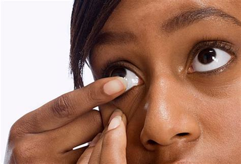 Putting In And Removing Contact Lenses by Slideshow Tips For Contact Lens Wearers