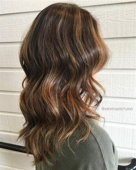 coffee colored hair with caramel highlights brown hairs