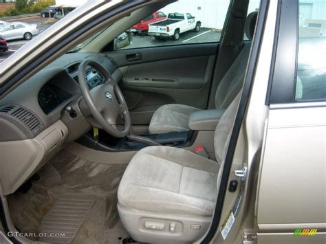 2004 Toyota Camry Interior Taupe Interior 2004 Toyota Camry Le Photo 72471115