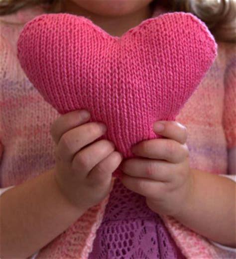 free knitting pattern heart shape anne heart satchet knitting bee
