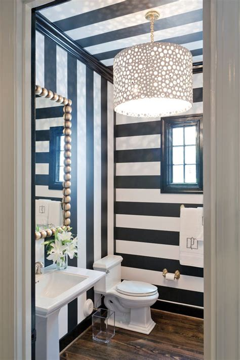 stripped bathroom best 20 striped bathroom walls ideas on pinterest