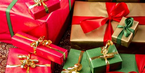 wedding gift exchange 10 tips for a festive and frugal smart tips