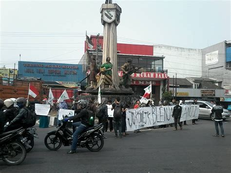 Buku Seru Janji Janji Jokowi Jk menagih janji jokowi panjimas
