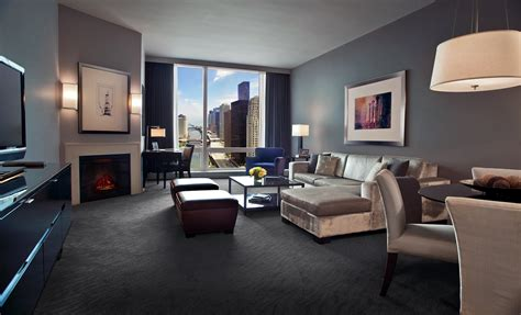 hotel suites in chicago with 2 bedrooms luxury hotels in downtown chicago trump hotel chicago