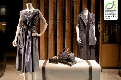 Botega Venetta Frances window display 187 retail design