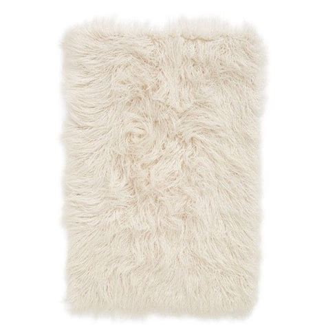 Faux Fur Rug White by 1000 Ideas About White Faux Fur Rug On Fur