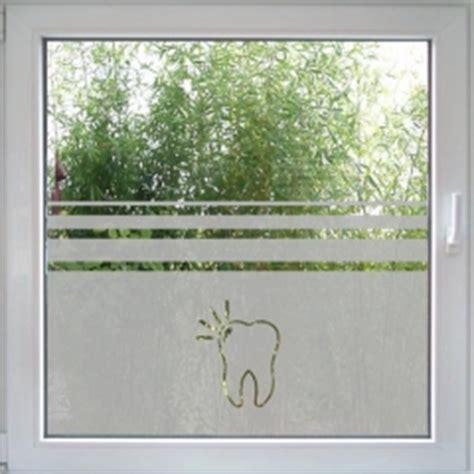 Sichtschutz Fenster Praxis by Fenstertattoo Zahnarzt Fensterfolie Mit Sandstrahloptik