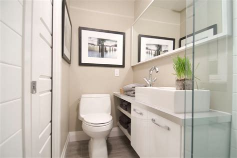 small bathroom look bigger 8 ways to make a small bathroom look bigger