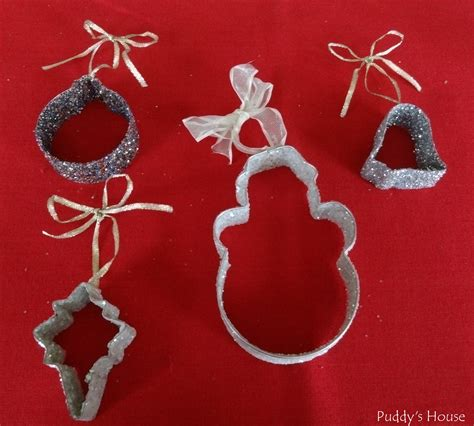 diy christmas ornaments glitter cookie cutters puddys