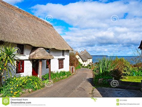 cottage cornovaglia thatched cottages in cornwall stock photo image 25124900
