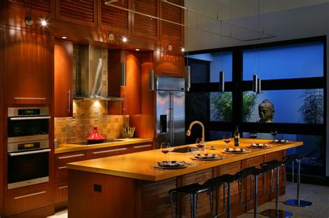 Tropical Kitchen Design by Captiva House Kitchen
