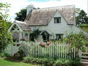 cottage in hydrangea hill cottage storybook cottages
