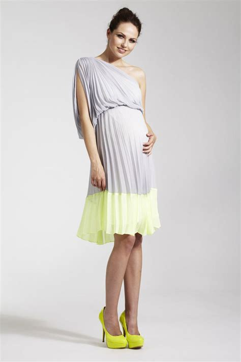 The Best Maternity Wedding Guest Dresses   Dresses