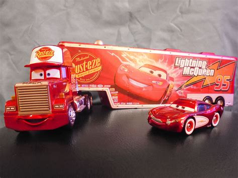 lighting mcqueen and mack disney store exclusive pixar mack lightning mcqueen
