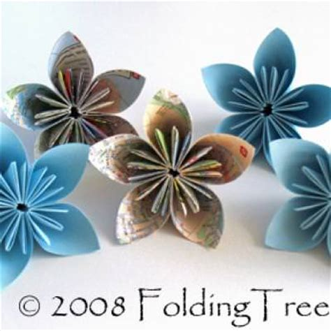 Folded Paper Flowers Tutorial - folded paper flowers tutorial tip junkie