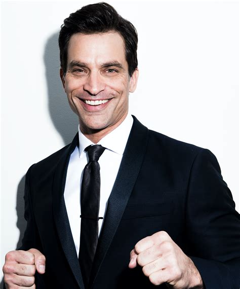 file suit file johnathon schaech in suit png wikimedia commons