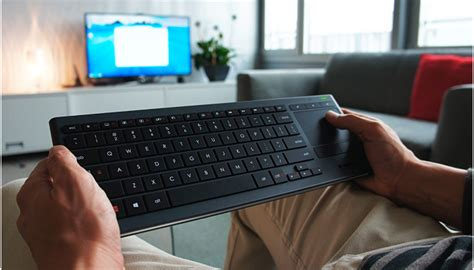 Illuminated Living Room Keyboard K830 Le Test Du Clavier Sans Fil Home Cinema Logitech K830