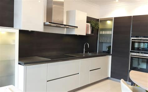 Ex Display Bathrooms For Sale Uk by Ex Display Kitchen With Top Of Range Siemens Appliances