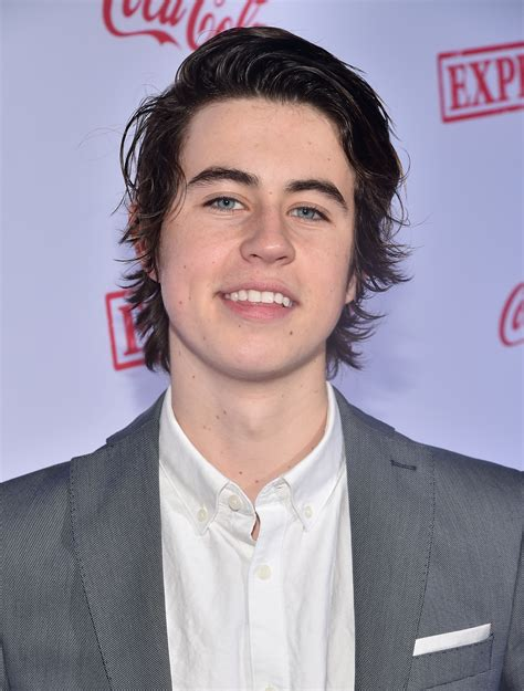 nash grier hairstyle nash grier haircut vine star teases short hair makeover
