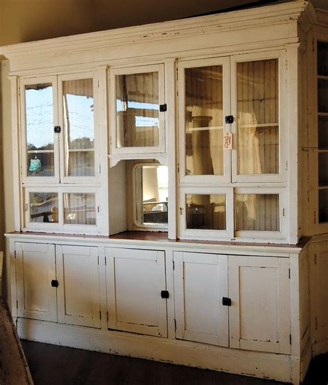 farm kitchen cabinets farmhouse kitchen cabinet s farmhouse chairs antique