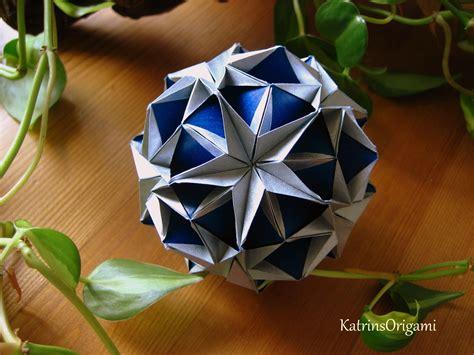 Origami Kusadama - origami snow kusudama