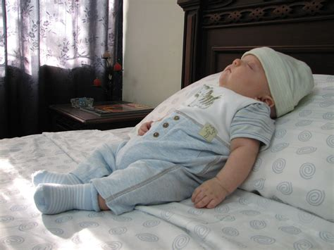 How To Get Baby To Sleep In The Crib by Honor Works Parenting Health And Family What
