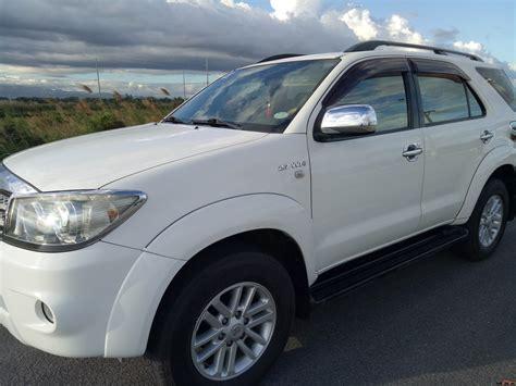 Fortuner Ori Anti Air White toyota fortuner 2009 car for sale metro manila philippines