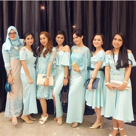 18  Inspirasi Model Gaun Pesta Muslim Modern 2018 Terpopuler
