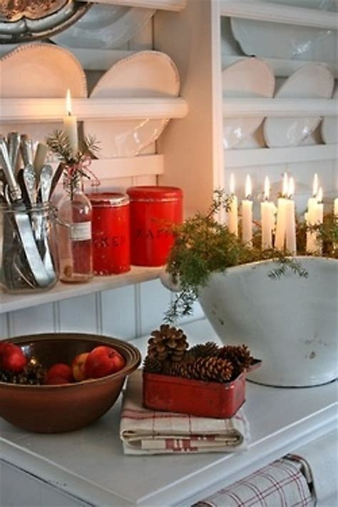 christmas decorating ideas for kitchen 40 cozy christmas kitchen d 233 cor ideas digsdigs