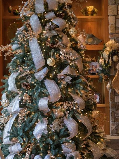 tree decorating ideas and gold drops of silver and gold tree decorating ideas
