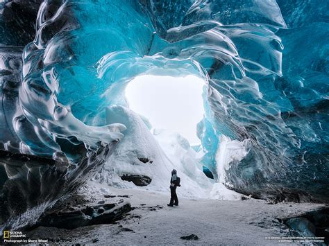 iceland ice caves vatnaj 246 kull ice cave iceland national geographic travel