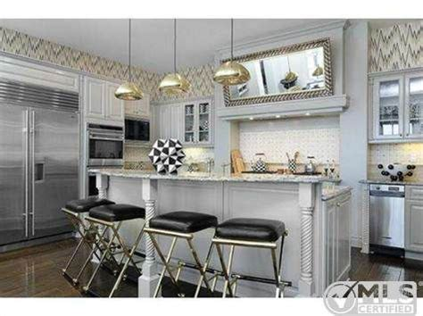 kourtney kardashian house design kourtney kardashian lists boldly decorated home for 3 499 million zillow porchlight