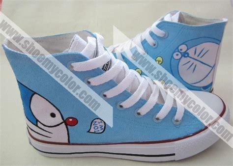 Doraemon Shoes doraemon painted shoes by elleflynn on deviantart