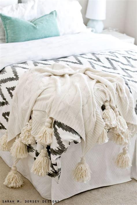 chevron bed linen best 25 chevron bedding ideas on grey chevron