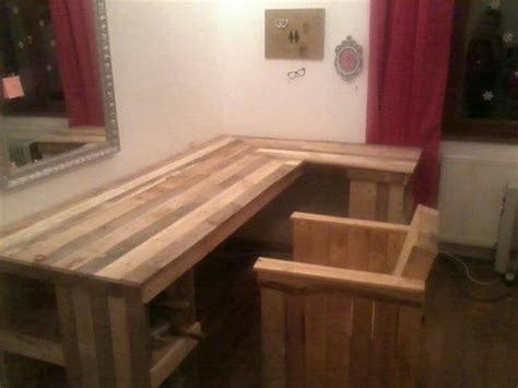 diy pallet computer desk  chair pallet furniture plans