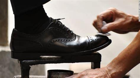 shoe shiner lere mgayiya from egg seller to shoe shining king cnn