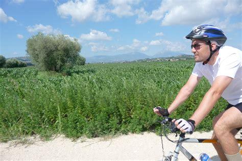 monti futura pista ciclabile lungo il tordino tra colleranesco e selva