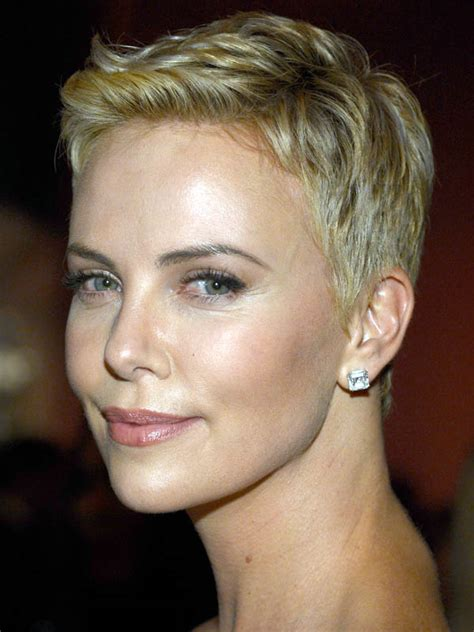 short old fashioned haircuts charlize theron sporting an charlize theron short hair styles bakuland women man