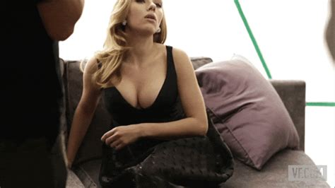 Turns Out This Annoying Celebrity Chef Is Scarlett Johansson S Ultimate Crush Maxim