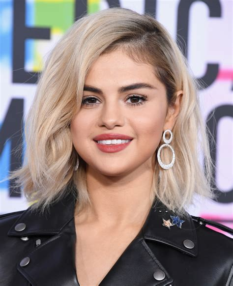 hair selena gomez how to get selena gomez s hair color instyle