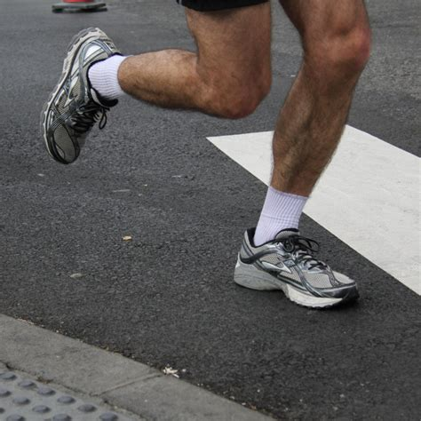 best athletic shoes for achilles tendonitis top 5 best running shoes for achilles tendonitis run echo