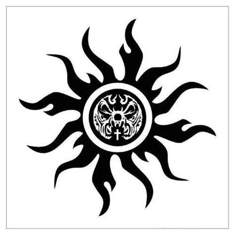 tattoo on nagarjuna hand 为什么很多人喜欢太阳纹身图案 纹身百科