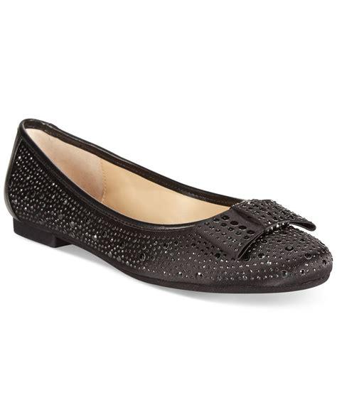 adrienne vittadini flat shoes adrienne vittadini dali bow flats in black lyst
