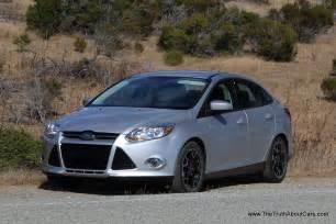 review 2012 ford focus se sedan